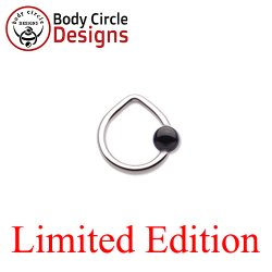 "Body Circle Surgical Stainless Steel 1/2"" Triangle Captive Bead Ring with Onyx Bead 16 Gauge 16g"