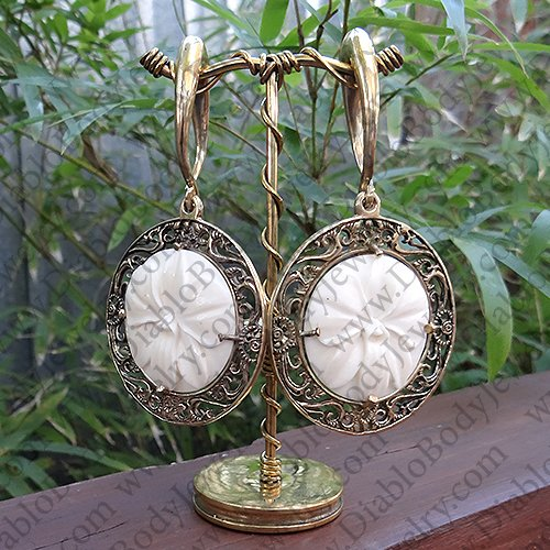 0 Gauge Brass Ear Weight Hangers With Carved Bone White Orchid Medallions One Pair Brassmedallionwhiteorchid0g 235 00 Diablo Body Jewelry The Art Of High Quality